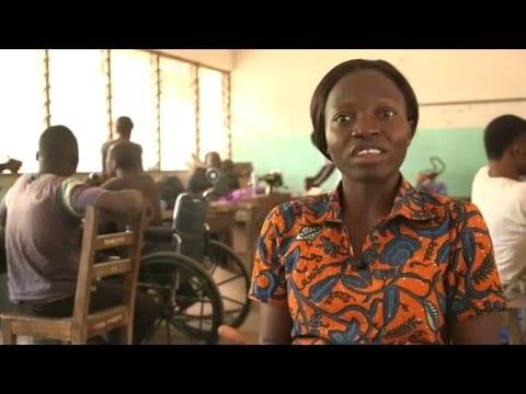 Entrepreneuriat: A 20 ans, elle fonde son entreprise Eco Shoes