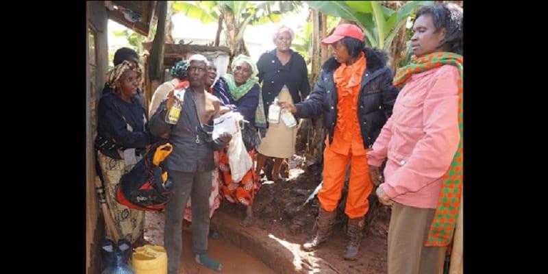 Kenya des femmes en col re battent les hommes ivres - Comment les hommes aiment les femmes au lit ...