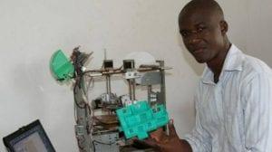 Inspiration: Un togolais invente une imprimante 3D