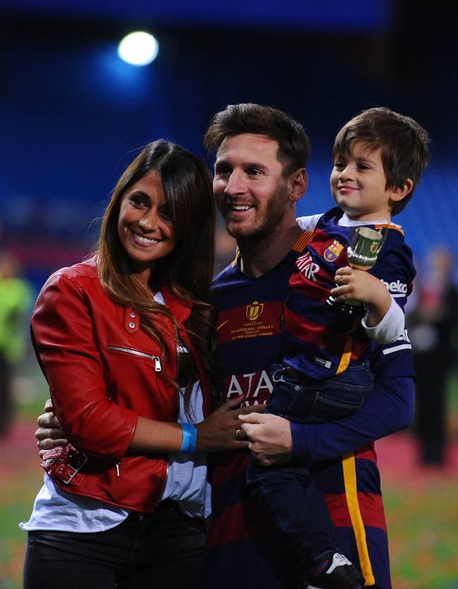"Lionel Messi et  Antonella Roccuzzo se diront ""OUI"" en 2017"
