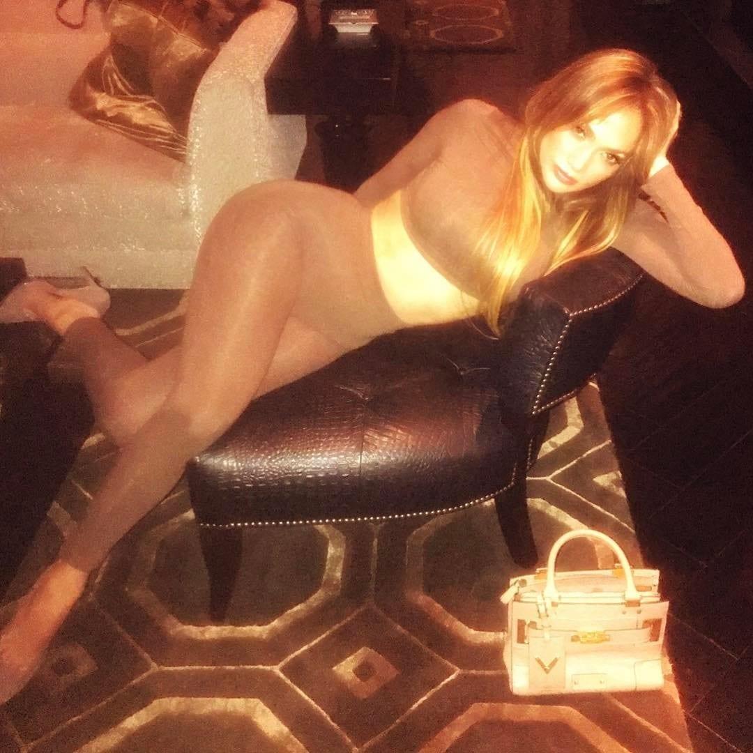 Photos: Drake passe une soirée avec une actrice de Film X, Jennifer Lopez réagit!