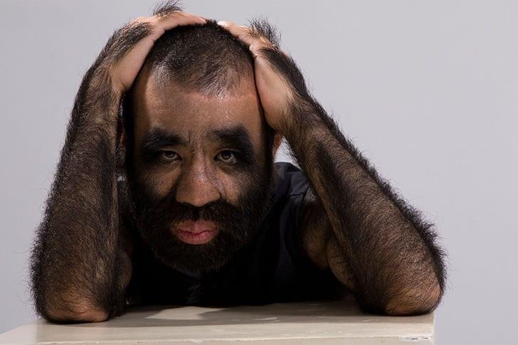 D couvrez l homme le plus poilu au monde photos afrikmag - L homme qui lit le plus vite au monde ...