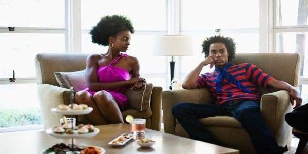 6 signes qui montrent que vous n'êtes pas un couple, mais des colocataires