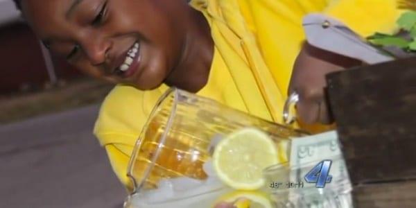 Inspiration: A six ans, A'Layah vend une limonade pas comme les autres