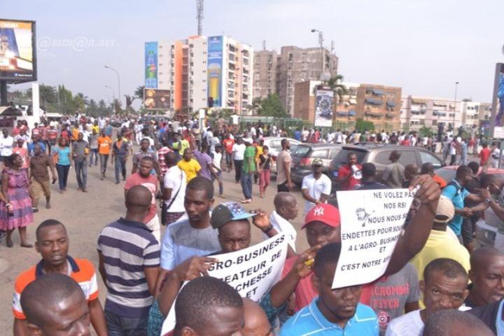 Agrobusiness: plus de 500 manifestants gazés par la police