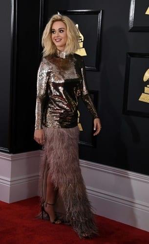 Grammy Awards 2017: Découvrez les tops et les flops du tapis rouge
