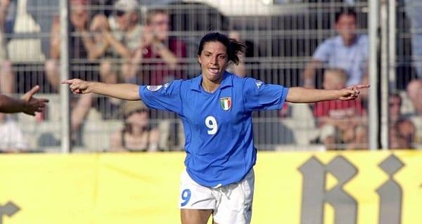 Pour la première fois dans l'histoire du football italien, une femme coache une équipe masculine: PHOTOS