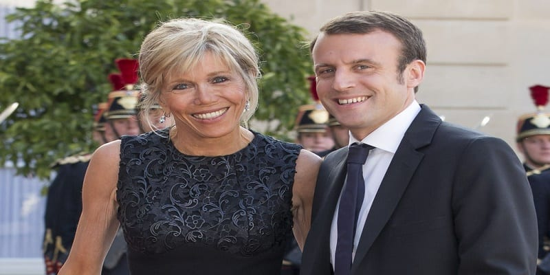 france macron 40 ans et sa femme brigitte 64 ans un couple qui suscite la pol mique afrikmag. Black Bedroom Furniture Sets. Home Design Ideas