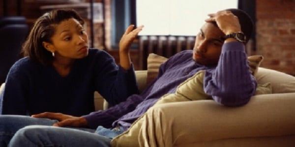 Couple: comment réagir face au besoin de solitude de votre chéri?