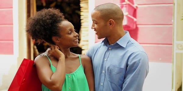 """Couple: Ces 7 choses vous arrivent """"seulement"""" quand vous êtes amoureux(se)"""