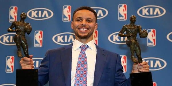 Basket-ball: Stephen Curry, ce basketteur qui fait la différence par sa foi en Dieu