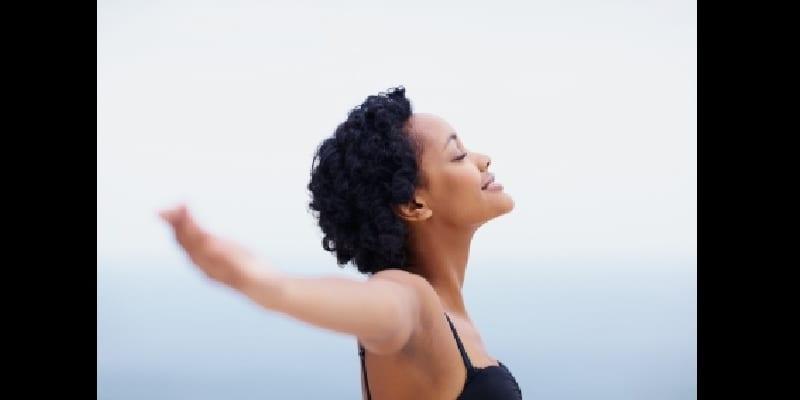 femmes voici comment lutter contre les mauvaises odeurs corporelles. Black Bedroom Furniture Sets. Home Design Ideas