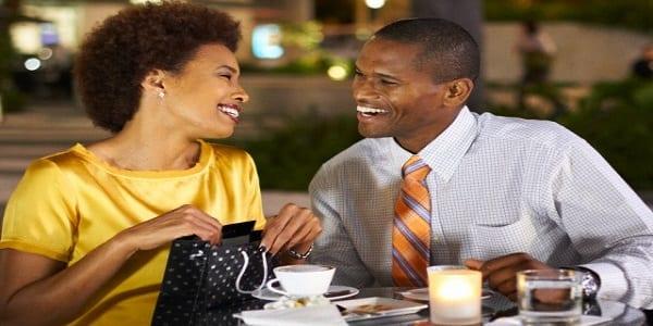 """Messieurs, découvrez 6 techniques pour séduire une femme quand vous êtes """"très timide"""""""