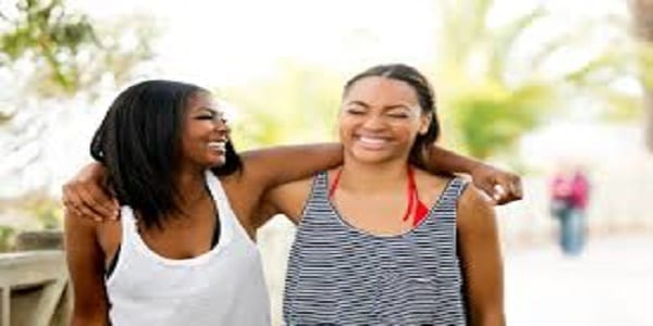 Quatre qualités essentielles que vous trouverez chez une bonne amie