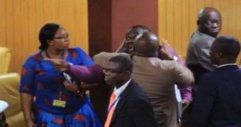 photo de la bagarre entre les parlementaires