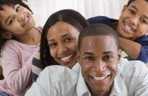 smiling-family-800×303
