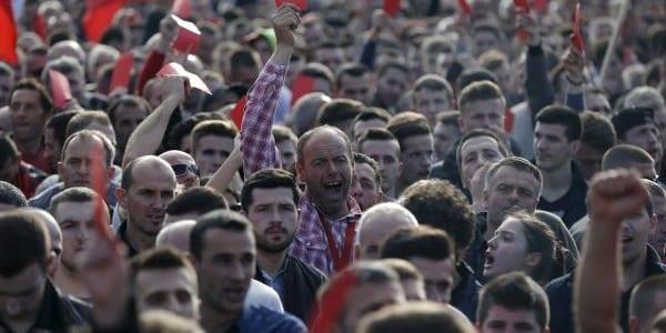 Turquie: des populations dans les rues pour contester les résultats du référendum
