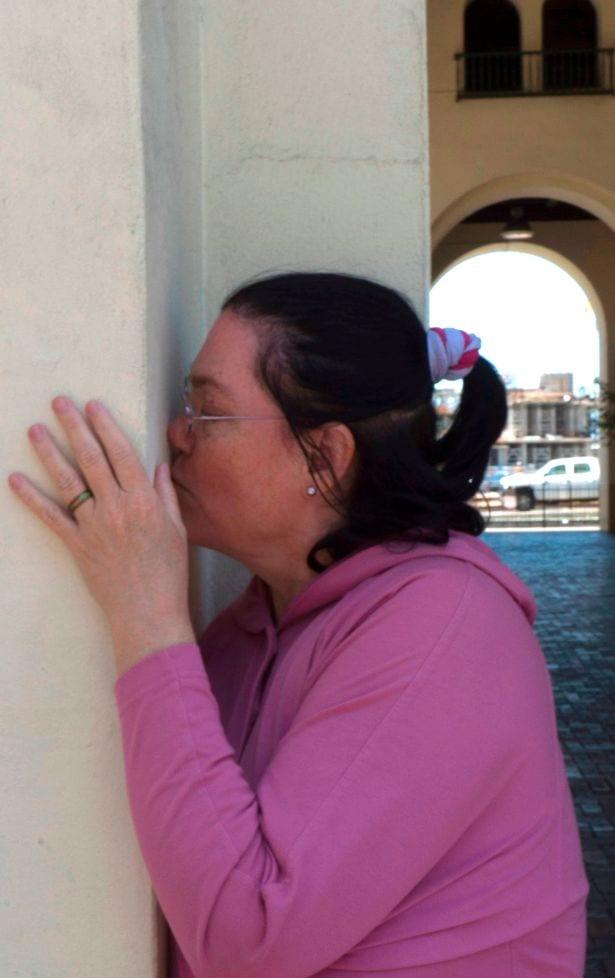 Une femme se marie à une gare dont elle est amoureuse depuis 36 ans: PHOTOS