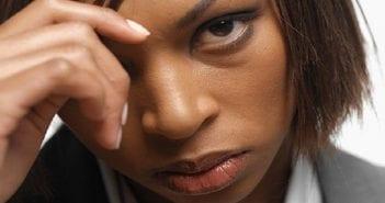 femme-noire-triste
