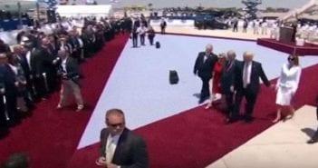 melania-trump-donald-main-israel-arabie-saoudite-president-etats-unis