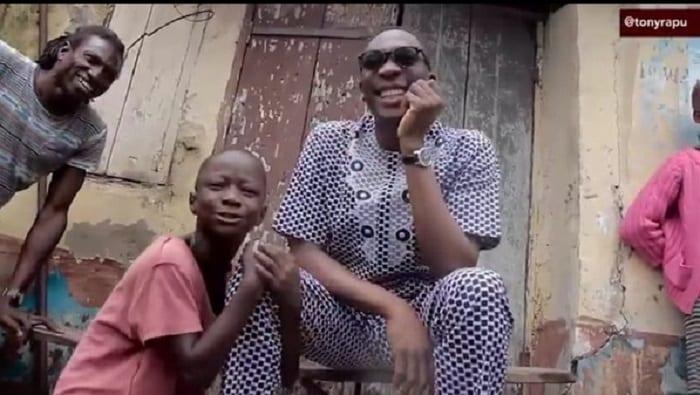 PHOTOS/VIDÉO: Shanawole, un jeune nigérian de 11 ans tue toute personne qui se moque de lui. Découvrez son histoire!