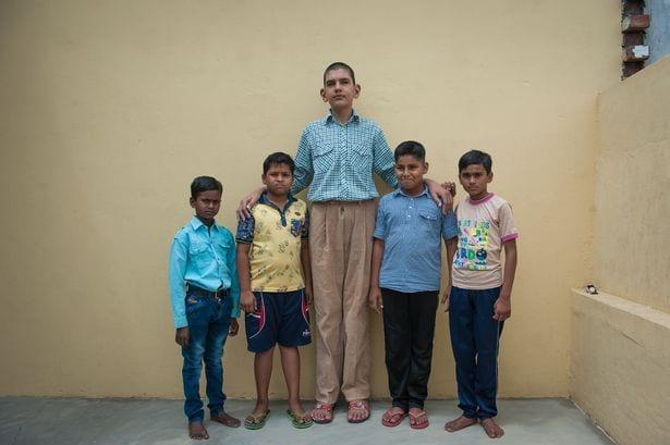 Karan Singh, le plus grand enfant de 8 ans du monde: PHOTOS