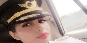 Inspiration : elle bat un record, en devenant la plus jeune pilote de Boeing 777 dans le monde (photos)