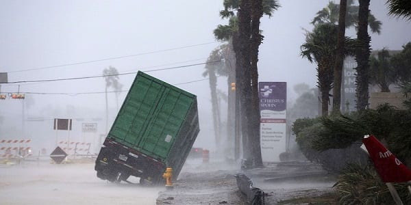 USA: L'ouragan Harvey fait d'énormes dégâts, Donald Trump décrète l'état d'urgence