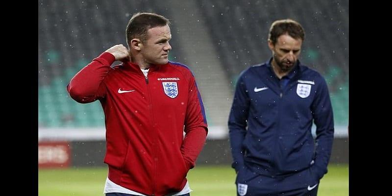 Football: Wayne Rooney annonce sa retraite internationale (photos)