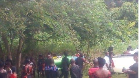 Ghana: un homme enterré dans un cercueil en forme de bouteille de bière (PHOTOS)