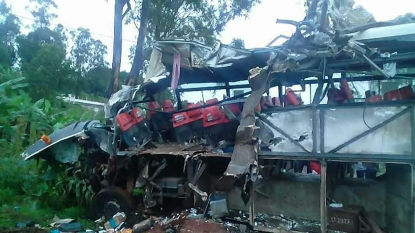 Cameroun: 6 morts dans un grave accident de la route entre Yaoundé-Bafoussam...photos