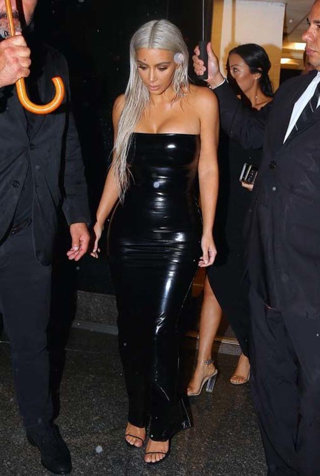 USA: Kim Kardashian fait sensation à la Fashion Week new-yorkaise...photos