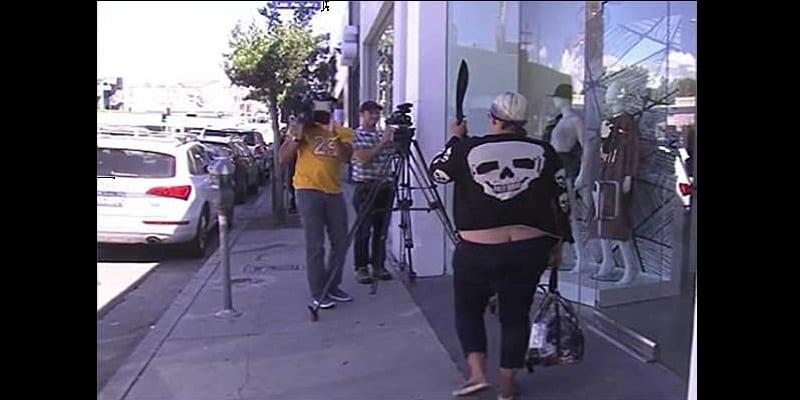 États-Unis: une femme armée d'une machette menace de tuer les Kardashian (vidéo)