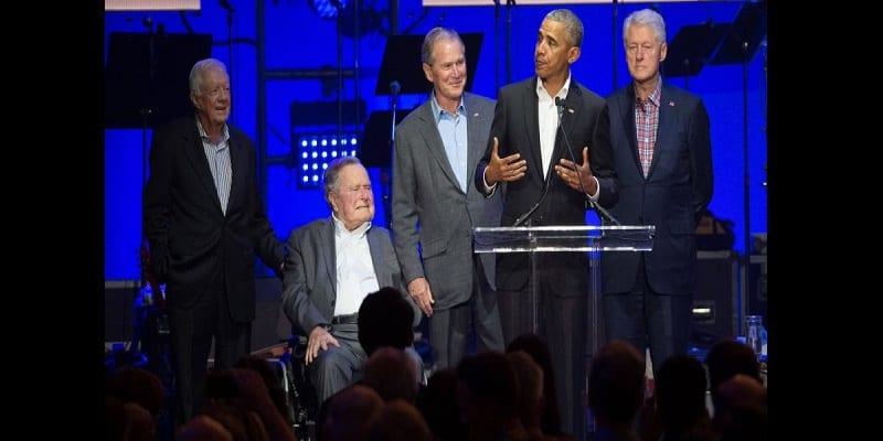 États-Unis: cinq anciens présidents réunis pour un gala de charité (vidéo)