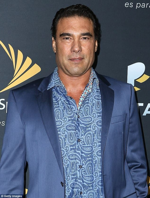 A Mexican actor from Telenovela slaps a journalist: VIDEO