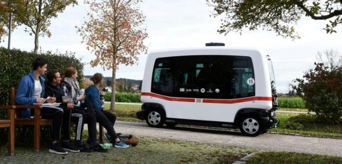 technologie l allemagne pr sente son bus intelligent sans chauffeur. Black Bedroom Furniture Sets. Home Design Ideas