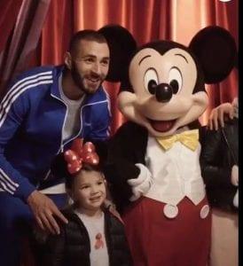 People : Malgré son état de santé, Karim Benzema joue le père attentionné!