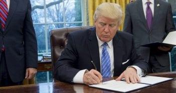 Etats-Unis-le-second-decret-migratoire-de-Donald-Trump-bloque-a-son-tour