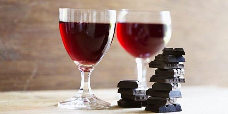 La Bible et l'Église interdisent-elles toute consommation d'alcool ? Chocolat