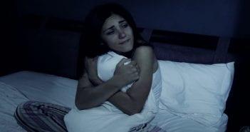 sad-woman-bed