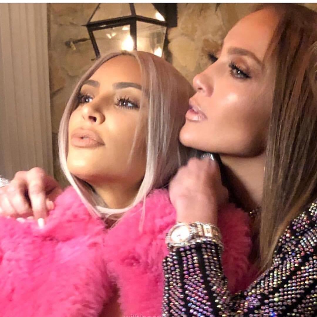 Quand Jennifer Lopez prend l'initiative d'imiter Michael Jackson (photos)