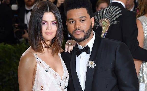 Nommée ''femme de l'année'' Selena Gomez évoque son couple avec Justin Bieber et sa rupture avec The Weeknd