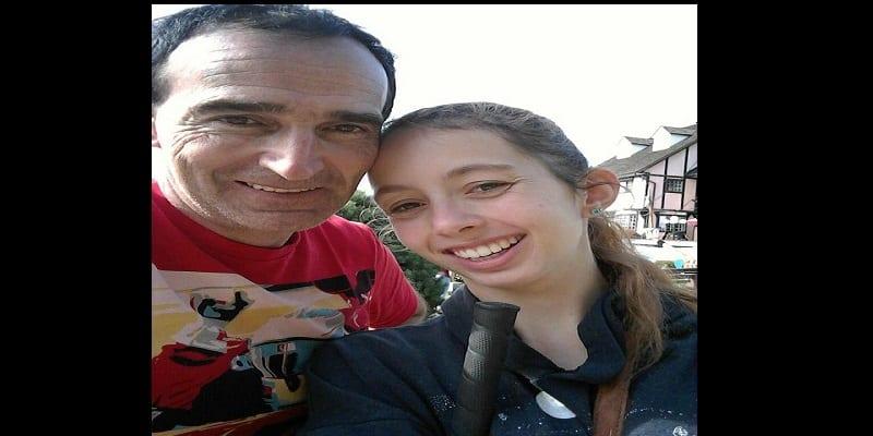 Insolite: elle défie ses parents pour se fiancer à un homme qui a 34 ans de plus qu'elle (photos)