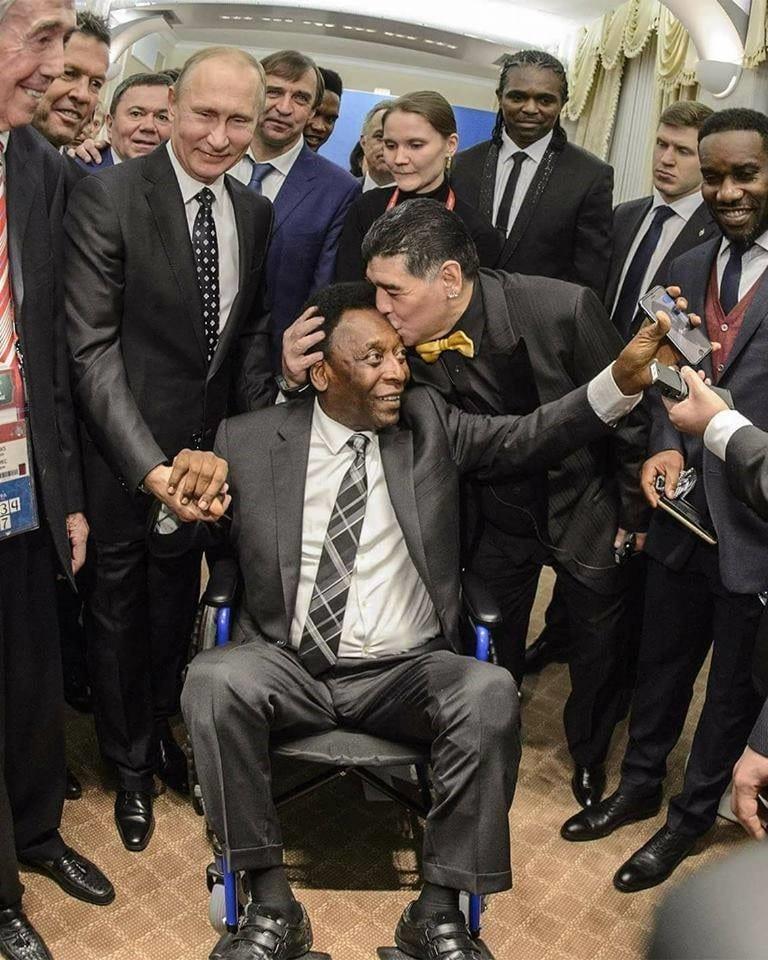 Coupe du Monde 2018: Pélé sur une chaise roulante au tirage au sort(photo)