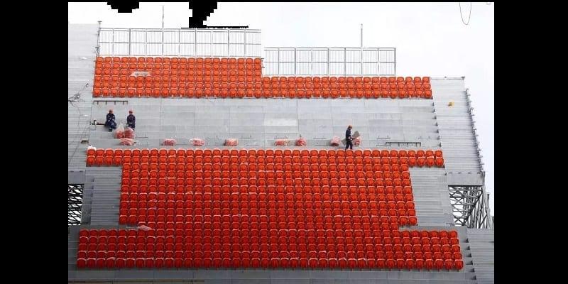 Russie 2018: ce stade avec des tribunes à l'extérieur, affole la toile (photos)