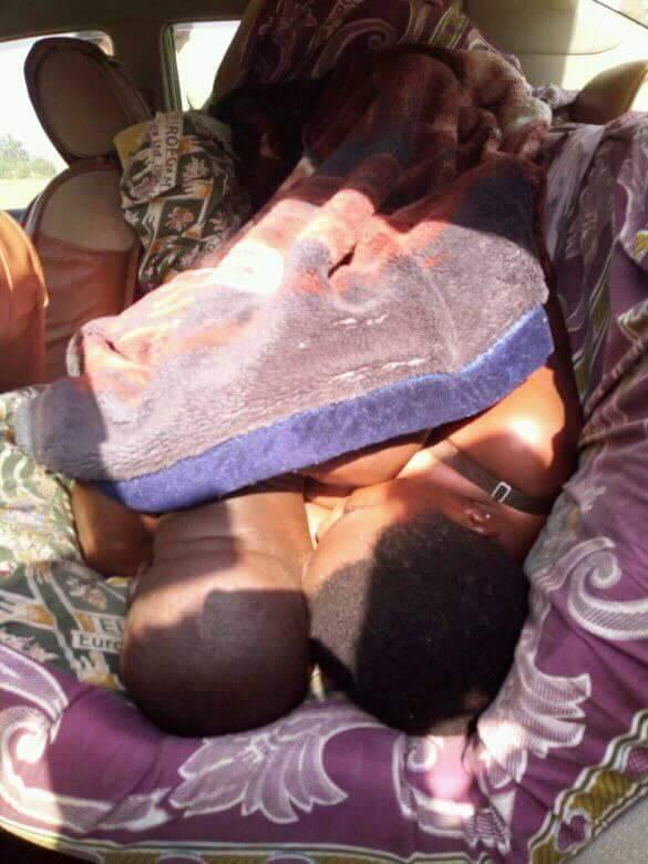 Insolite: un homme coincé entre les jambes de sa maîtresse en plein ébat s3xuel (photos)