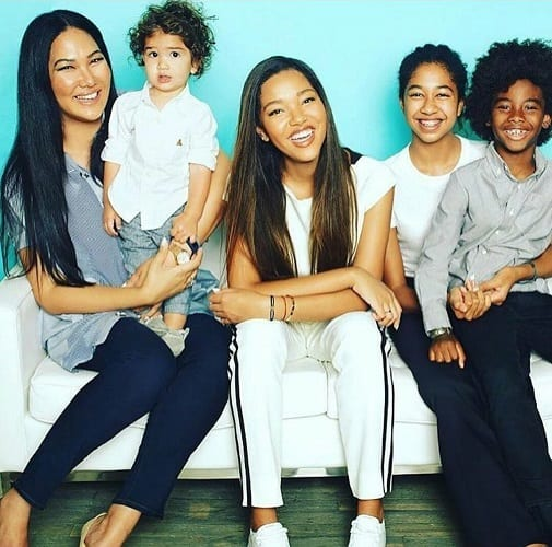 Potins: Les filles de Kimora Lee Simmons ont bien grandi! (photos)