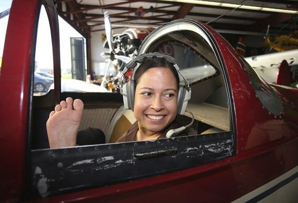 Inspiration: Découvrez Jessica Cox, la première pilote au monde sans bras (PHOTOS)