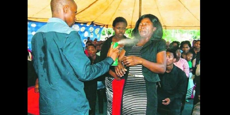 Afrique du Sud: Ces pasteurs ont été impliqués dans des scandales religieux (photos)