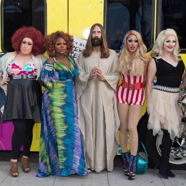 "USA: Le ""Jésus"" le plus aimé de West Hollywood meurt à 57 ans: PHOTOS"